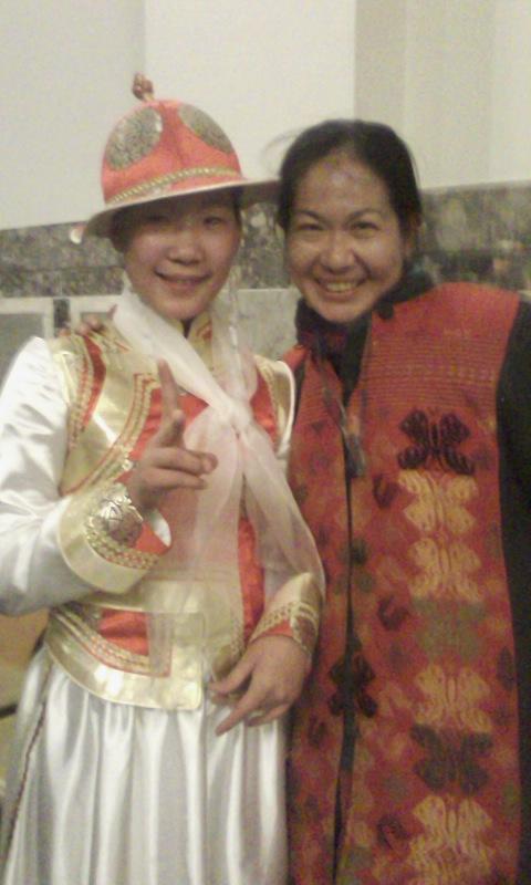モンゴルの天使たち_a0088827_1050351.jpg