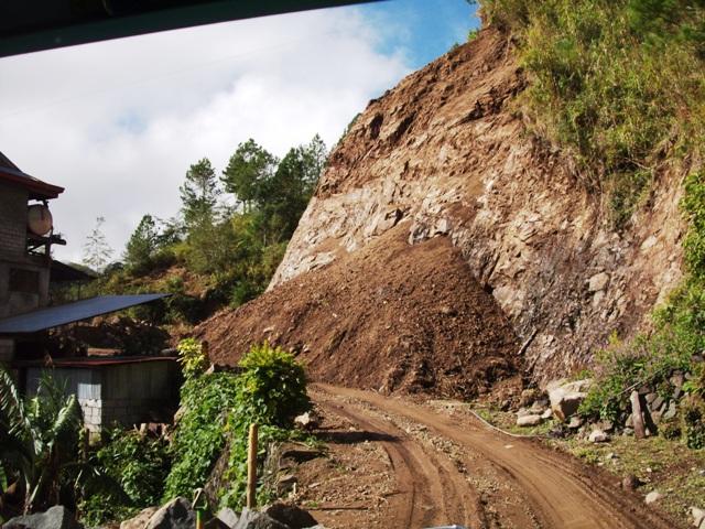 ボントク~パラセレス・ロード 台風JUANによる土砂崩れ_b0128901_10204388.jpg