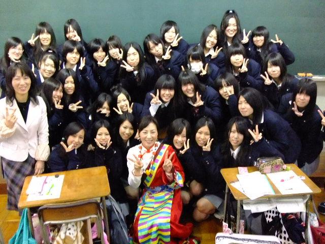 九日間で、七つの学校!_c0162404_0374093.jpg