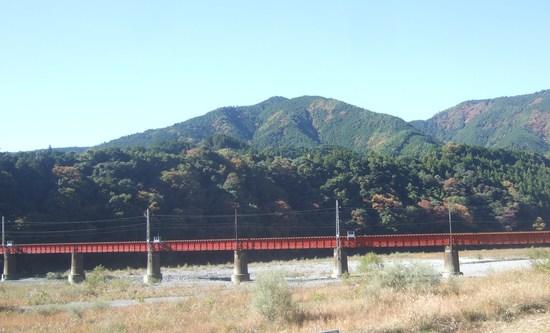 寸又峡渓谷散策!....SL列車にも...._b0137932_10544671.jpg