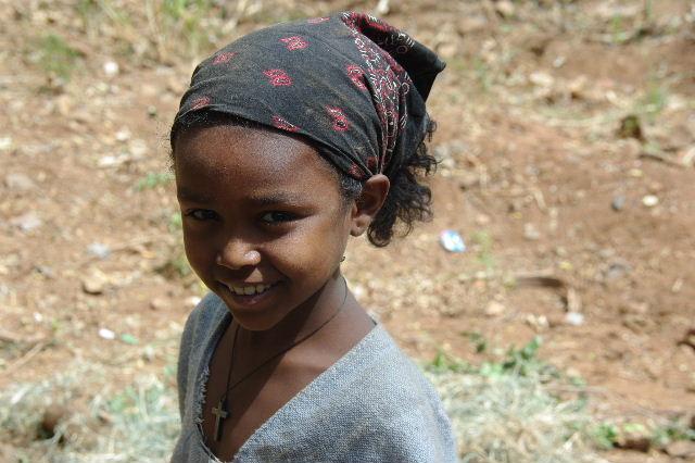 エチオピア(26) 荷を運ぶ、コンソ族の女たち_c0011649_7553098.jpg