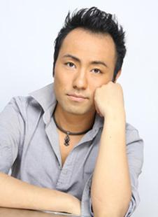 指が動かなくなる悲運を克服したピアニスト、西川悟平_c0050387_233473.jpg