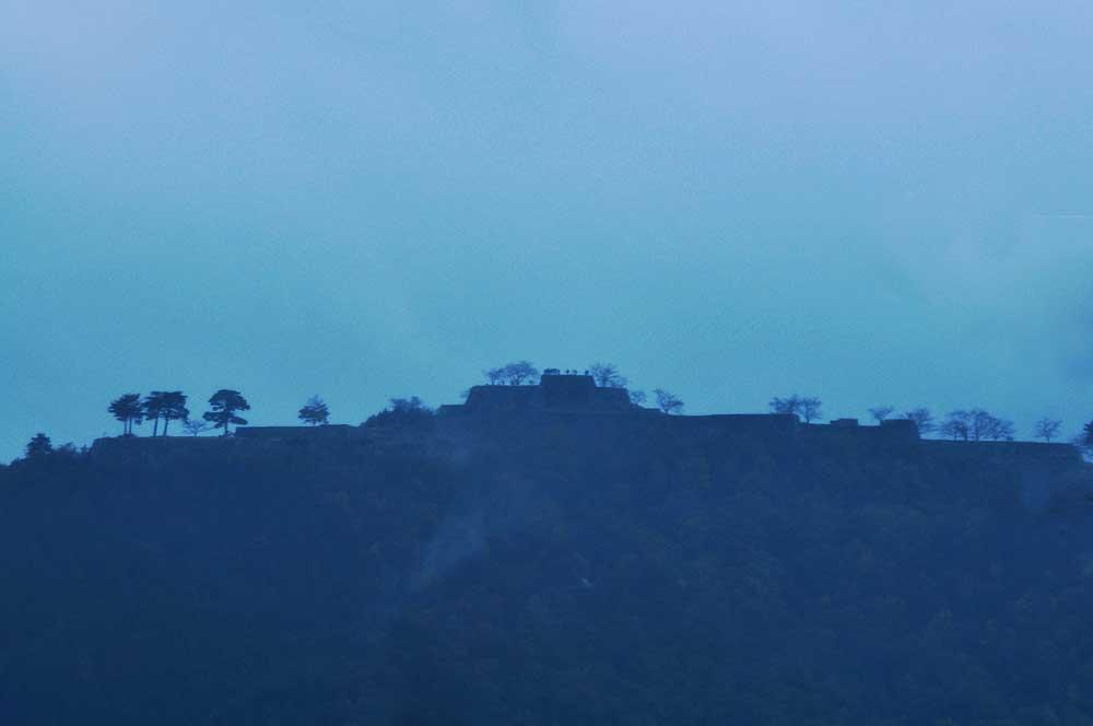 竹田城と温泉町 猿壺の滝_f0219895_5262998.jpg