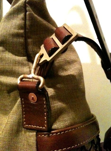 WALK ON SHOULDER TOTE BAG!!入荷しております!_c0144020_1595894.jpg