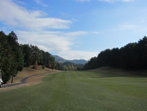 タイに行く前にゴルフ行くっタイ、で大甲賀で専務と_b0100062_2245331.jpg