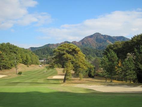 タイに行く前にゴルフ行くっタイ、で大甲賀で専務と_b0100062_2261762.jpg