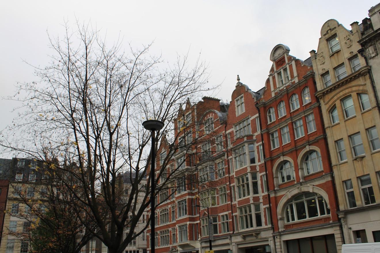 すでにクリスマスなロンドン街角より_a0137487_1562441.jpg