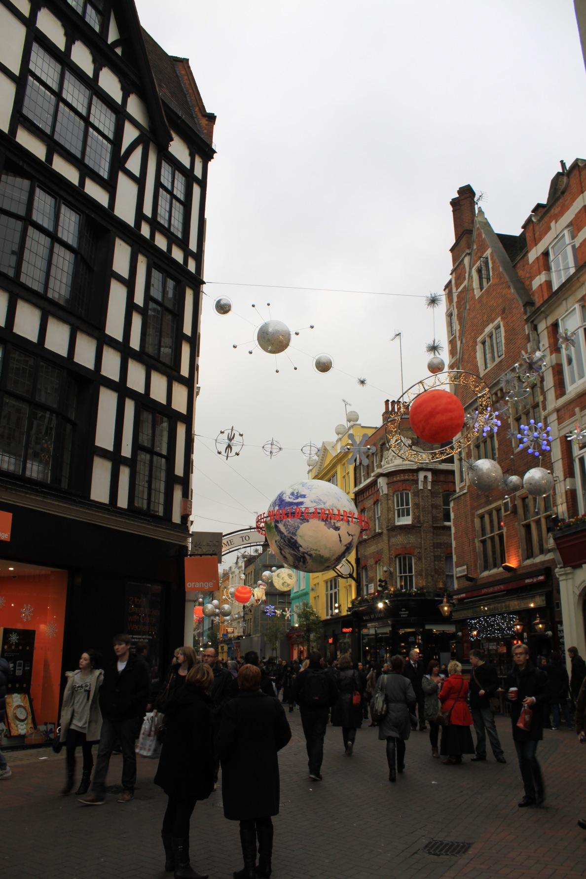 すでにクリスマスなロンドン街角より_a0137487_21169.jpg