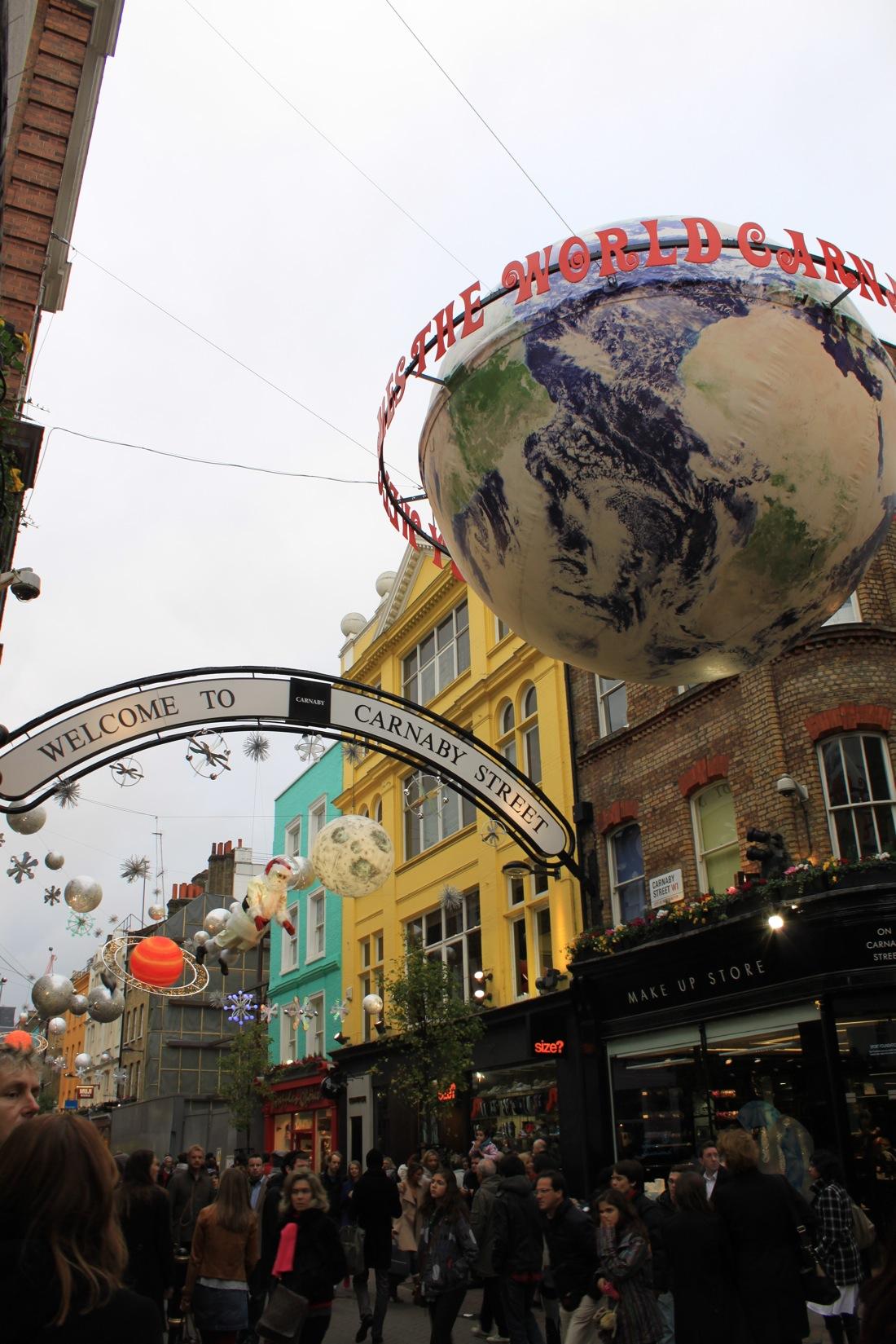 すでにクリスマスなロンドン街角より_a0137487_23158.jpg