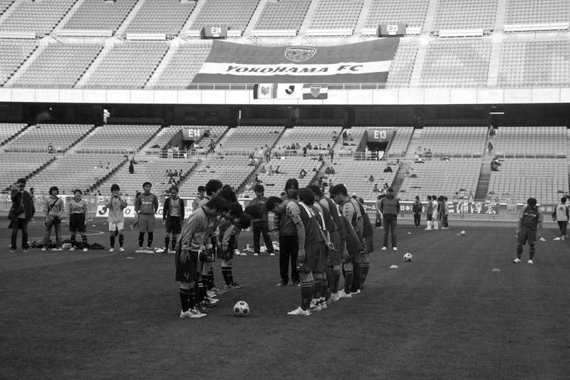 横浜FC ヨコハマぽるとカップ2010 優勝エスパシオ_b0023523_221545.jpg