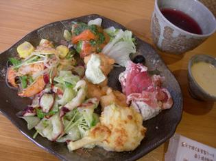 益子陶器市(2)… かまぐれの丘&森のレストラン編_e0125731_11502530.jpg