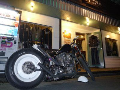 本日のバイク!_f0194657_17505792.jpg