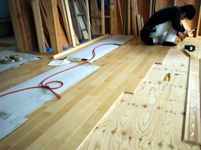 無垢床材の施工_b0155675_18261118.jpg