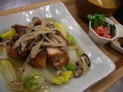 11/24晩ごはん:秋鮭と白菜のきのこあんかけ_a0116684_18475317.jpg