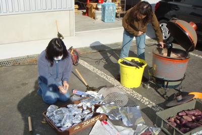 炊き出し訓練と避難訓練を行いました。_a0154110_14363774.jpg