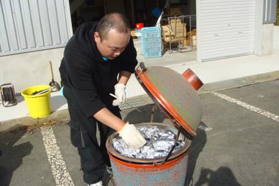 炊き出し訓練と避難訓練を行いました。_a0154110_14365676.jpg