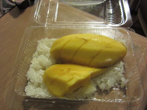 マンゴーご飯をいただきました_b0100062_22134485.jpg