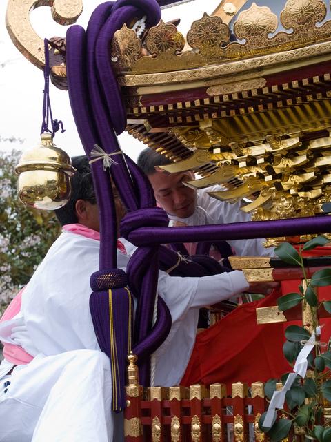これが銚子神幸祭の時に東大社の神輿に巻かれた水引絹_c0014967_1331507.jpg