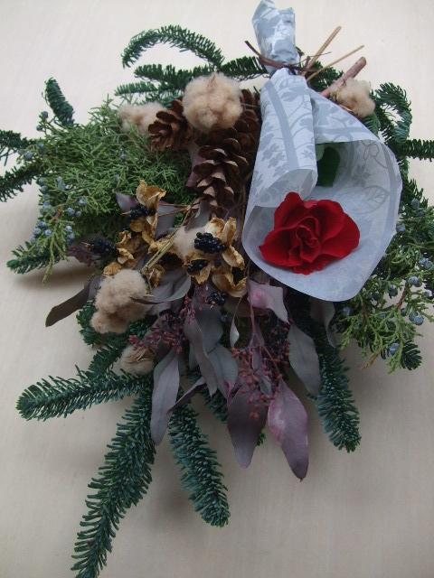 オークリーフ(オレゴンのモミと、バラ・マノンの花束)_f0049672_11544955.jpg