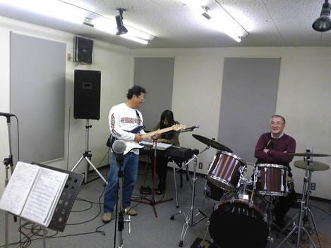 ☆バンド活動、開始します☆_e0142585_1419823.jpg