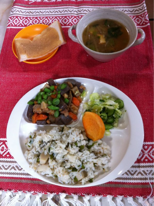 今日の給食 筑前煮 里芋ごはん_b0188106_1544253.jpg
