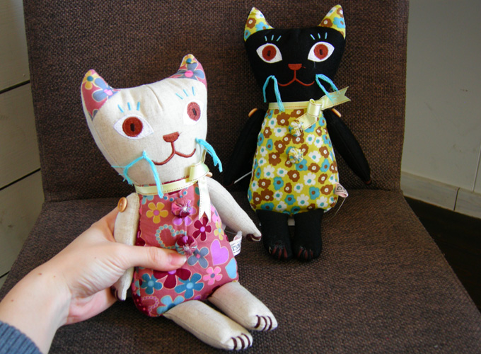 ナタリー・レテ Cat music Doll & Cat stuffed Toy_a0130646_159243.jpg