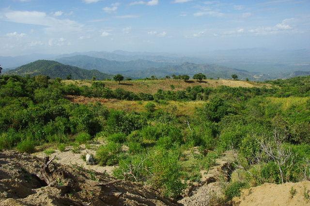 エチオピア(31) ジンカ到着_c0011649_0342075.jpg