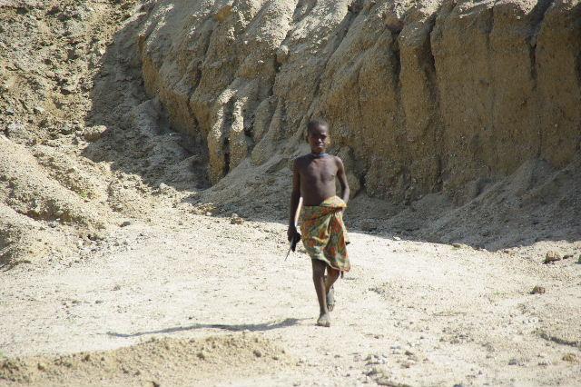 エチオピア(31) ジンカ到着_c0011649_0374137.jpg