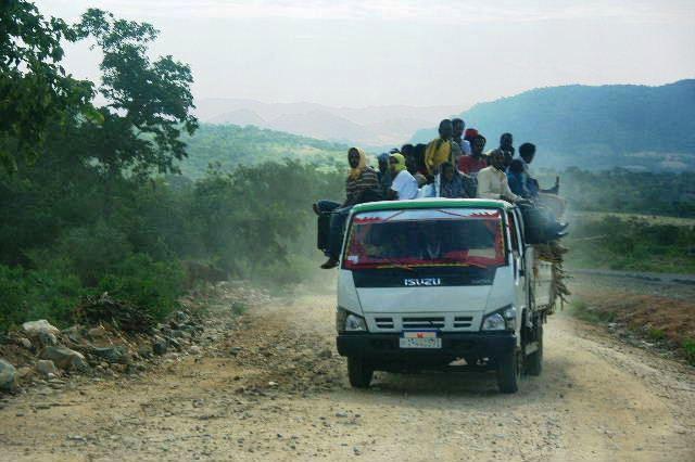 エチオピア(31) ジンカ到着_c0011649_0431650.jpg