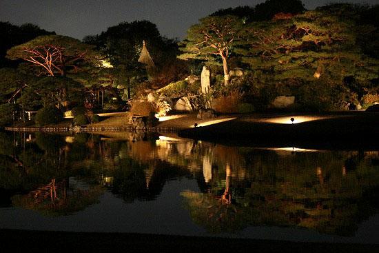 紅葉と大名庭園のライトアップ_f0030085_21221949.jpg