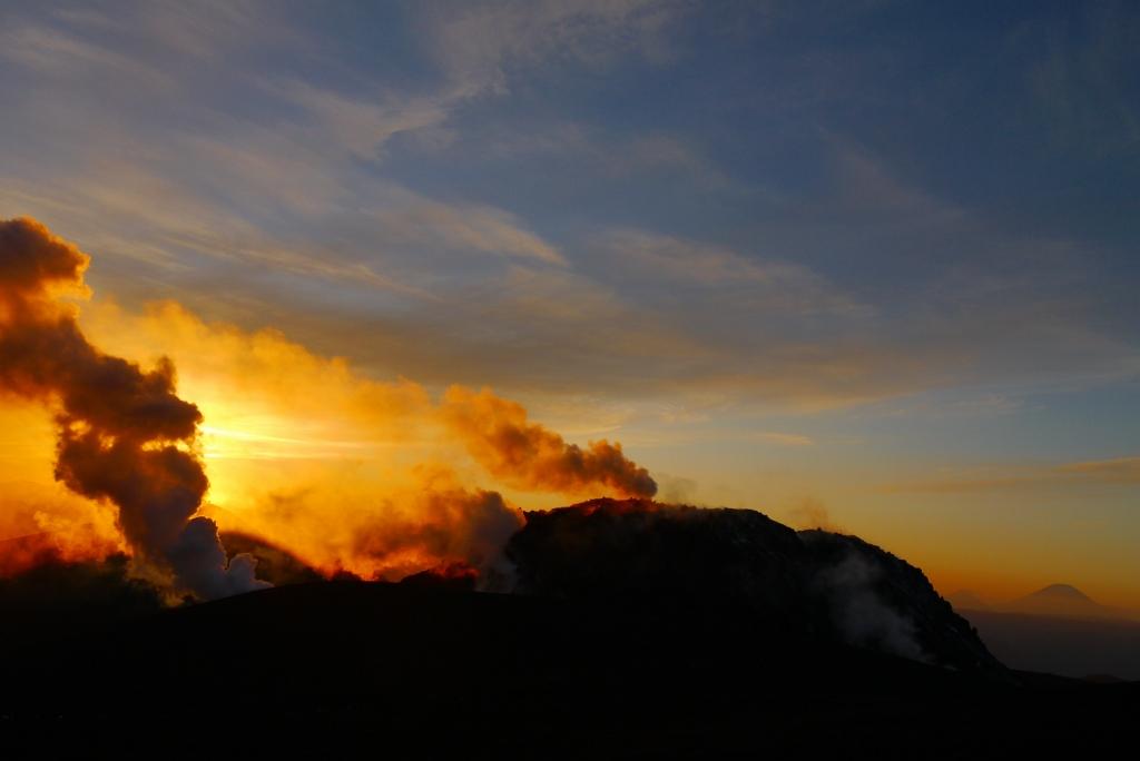 11月24日、樽前山の夕陽-その2-_f0138096_1135286.jpg