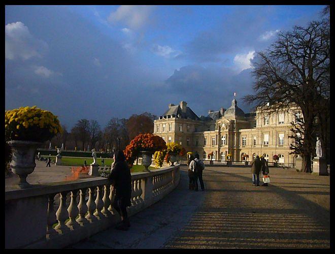 【Jardin du Luxembourg】11月26日初雪のパリ(PARIS)_a0008105_2163590.jpg