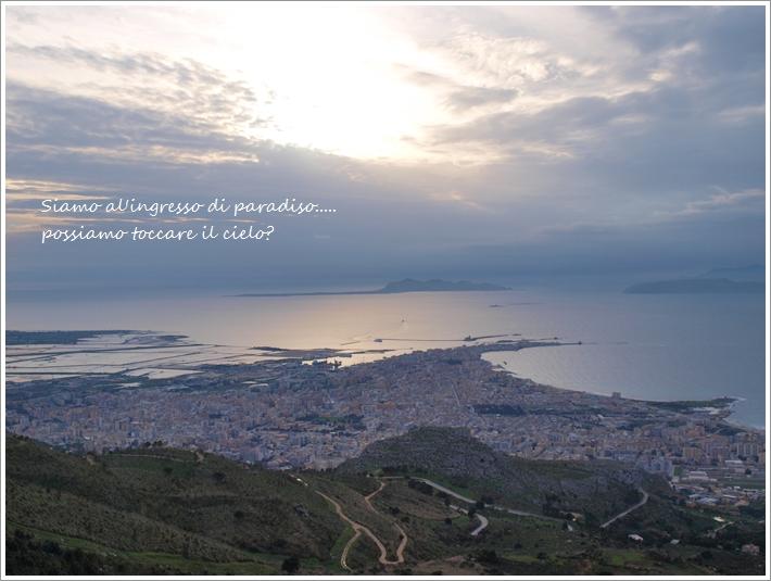眼下に広がる広大な景色 ~ エリチェから見るトラーパニ ~_f0229410_216362.jpg