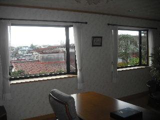 窓と高圧洗浄作業_f0031037_18524010.jpg