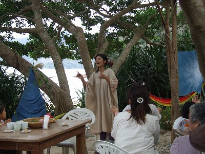 nagiちゃんのお誕生を歌でお祝い♪_e0028387_20554410.jpg