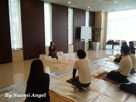 3/13(日) in 豊洲 華蓮\'s クリスタルボウル・サウンドヒーリング & Naomi Angel アートギャラリー_f0186787_21521349.jpg