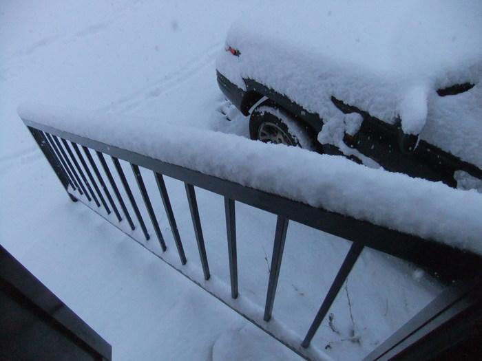 札幌 は雪が積もってます……_c0226202_6561821.jpg
