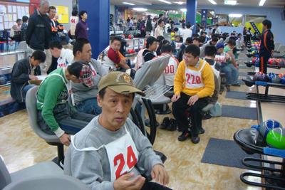 11/27ボーリング大会に参加!_a0154110_14352351.jpg