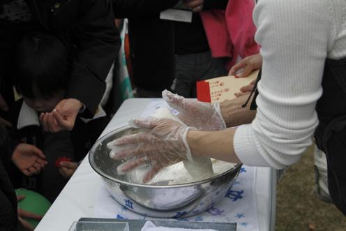 日比谷ファーマーズ&キッズの石鹸作り♥_c0209415_20774.jpg