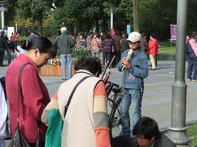 激旅!上海2泊3日2010 (7)~中山公園の朝_e0173645_2353927.jpg