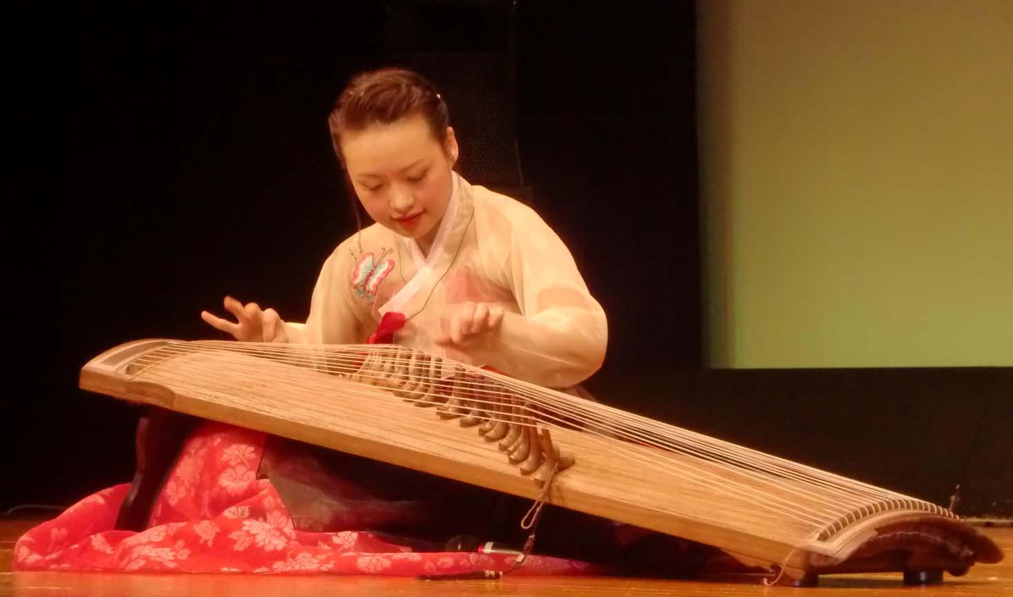 在日朝鮮族女性会創立3周年記念公演_d0007589_2135834.jpg
