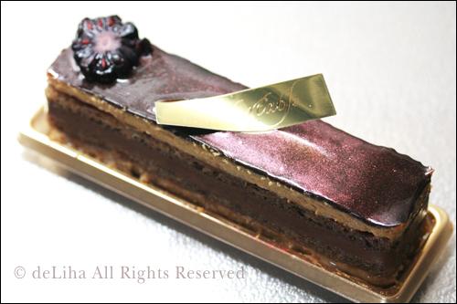 『リベルターブル』・ショコラ&コーヒーのケーキ【エグジスタンス】_c0131054_12133492.jpg