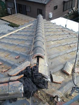 瓦屋根の雨漏り補修~棟の積み直し(続き)_d0165368_7211432.jpg