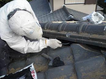 瓦屋根の雨漏り補修~棟の積み直し(続き)_d0165368_7214039.jpg