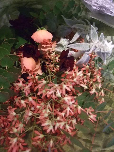オークリーフ花の教室(落合さんの作品)_f0049672_1810373.jpg