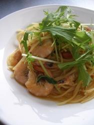 11/30本日のパスタ:芝海老と水菜・ドライトマトのスパゲティ_a0116684_1137120.jpg