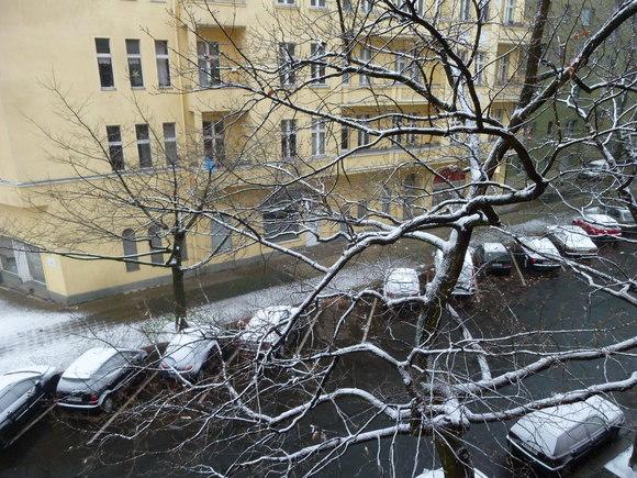 Berlinでもやっとグーグルのストリートビューが始まりました!_c0180686_764773.jpg