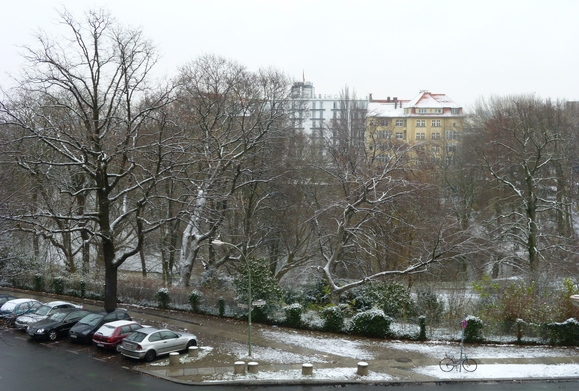 Berlinでもやっとグーグルのストリートビューが始まりました!_c0180686_77208.jpg