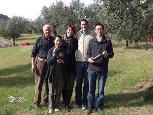 2010年「オリーブオイル買い付けの旅」オリーブ農家訪問トスカーナ編②_d0170094_7482953.jpg
