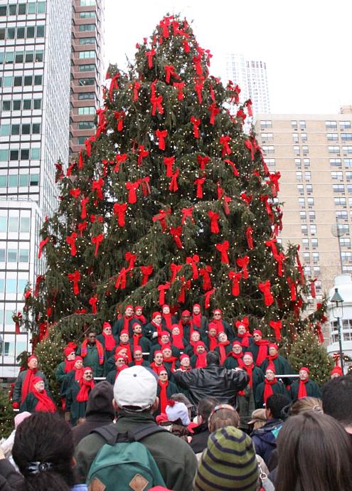 サウス・ストリート・シーポートの歌うクリスマス・ツリー 2010_b0007805_915369.jpg